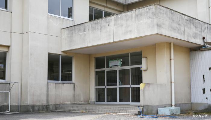 旧八代小学校 昇降口2